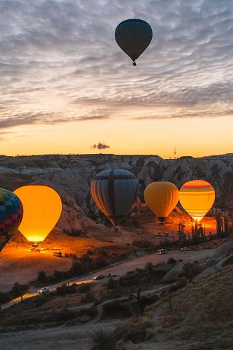 Real Life「Setting of hot air balloon in Cappadocia」:スマホ壁紙(6)