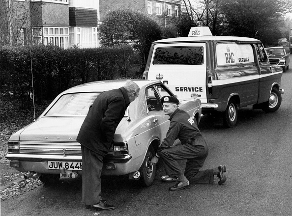 Beret「R.A.C. Breakdown Assistance To 1973 Ford Cortina. Creator: Unknown.」:写真・画像(18)[壁紙.com]