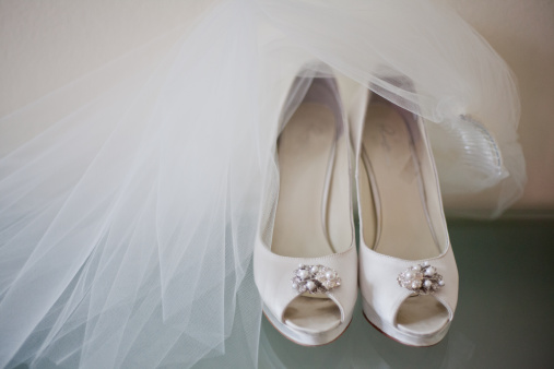 結婚「Brides shoes」:スマホ壁紙(1)