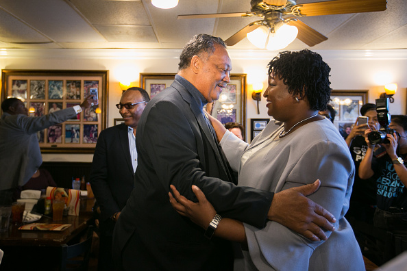 Jessica McGowan「Gubernatorial Candidate Stacey Abrams Campaigns On Election Day In Atlanta」:写真・画像(0)[壁紙.com]