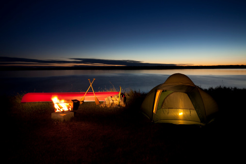 Dome Tent「Nighttime camp scene in Riding Mountain National Park」:スマホ壁紙(14)