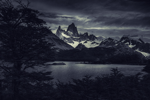Overcast「Evening View of Fitz Roy Mountain」:スマホ壁紙(14)