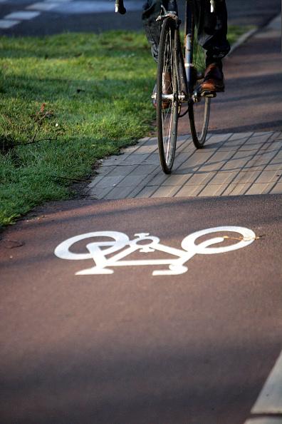Road Marking「Cycle lane」:写真・画像(5)[壁紙.com]