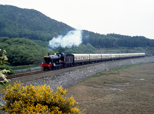 Finance and Economy「Cardigan Bay Express. No.7819 Hinton Manor at Frun-Goch en route from Machynlleth to Barmouth. 24.05.1987.」:写真・画像(6)[壁紙.com]