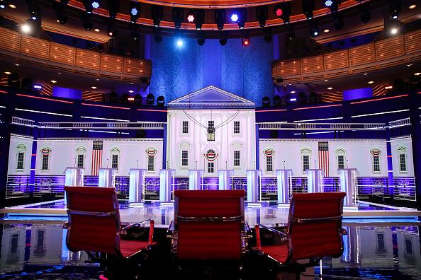 大統領選候補者討論会「Democratic Presidential Candidates Attend First Debates Of 2020 Election」:写真・画像(7)[壁紙.com]