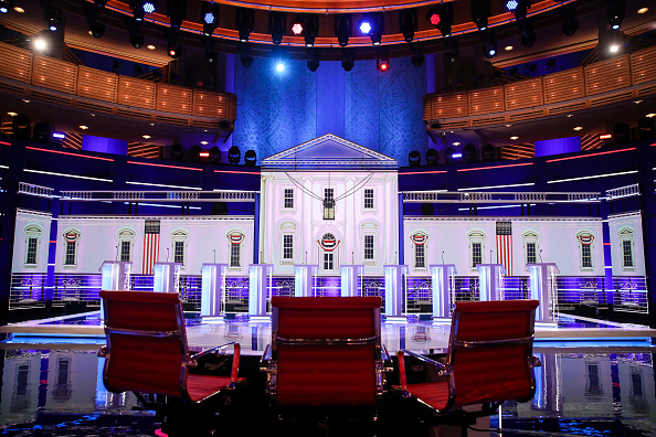 Debate「Democratic Presidential Candidates Attend First Debates Of 2020 Election」:写真・画像(1)[壁紙.com]