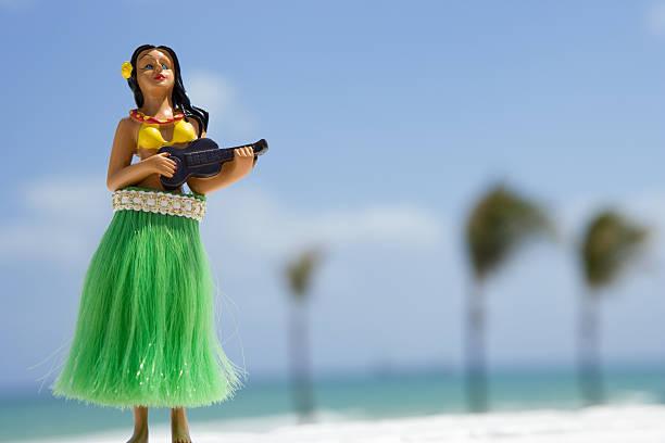 hula dancer, figurine on Beach:スマホ壁紙(壁紙.com)