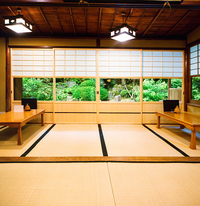 Japanese Garden「Japanese restaurant dining room with sliding doors tatami and garden」:スマホ壁紙(13)