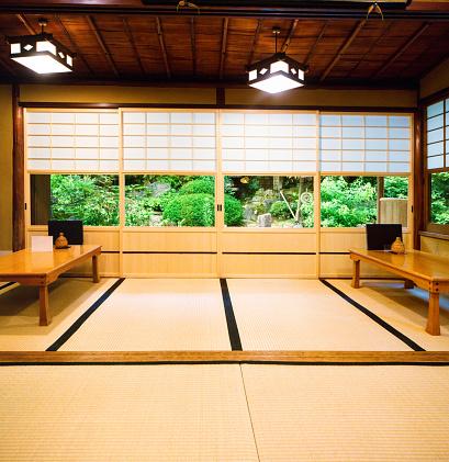 Tatami Mat「Japanese restaurant dining room with sliding doors tatami and garden」:スマホ壁紙(14)