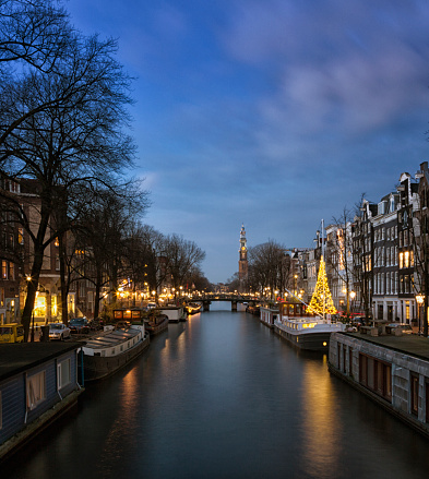 Amsterdam「Prince Canal, with Christmas tree and West Church」:スマホ壁紙(4)