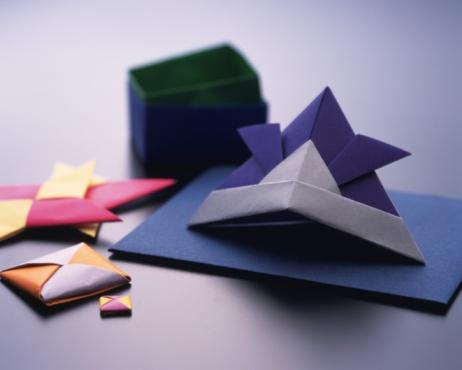 こどもの日「Origami Helmet?Kabuto) , Childrens Day, High Angle View」:スマホ壁紙(15)