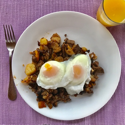 Poached Food「Poached eggs on homemade  hash - with orange  juice」:スマホ壁紙(16)