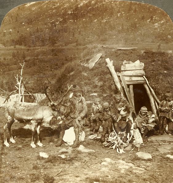 Tradition「People Of The Frigid North-Lapp Home And Family」:写真・画像(3)[壁紙.com]