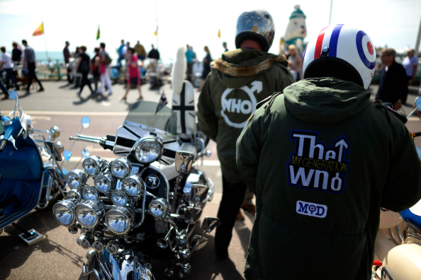 Alan Crowhurst「Scooters Gather For The Brighton Mod Weekender」:写真・画像(2)[壁紙.com]