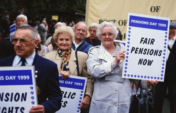 Senior Women「Pension Rights Demonstration」:写真・画像(6)[壁紙.com]