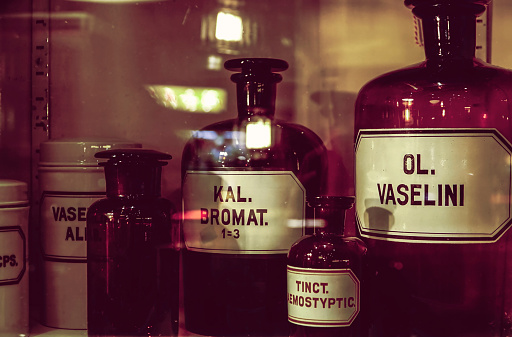 Aromatherapy Oil「Old apothecary bottles in an apothecary cabinet」:スマホ壁紙(15)