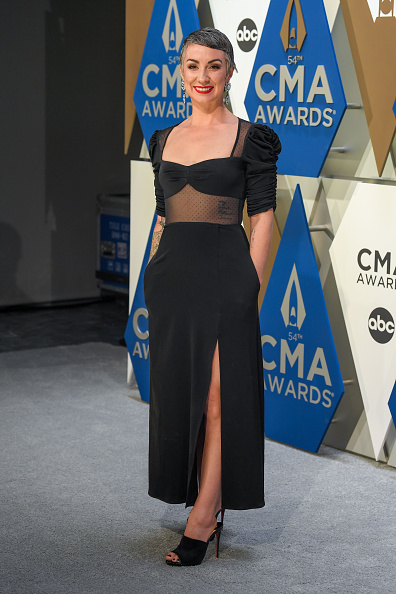 Music City Center「The 54th Annual CMA Awards - Arrivals」:写真・画像(3)[壁紙.com]