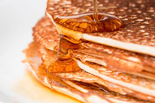 Pancake「Stack of pancakes with maple syrup」:スマホ壁紙(14)