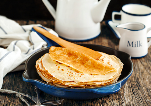 Indulgence「Stack of pancakes in a dish」:スマホ壁紙(17)