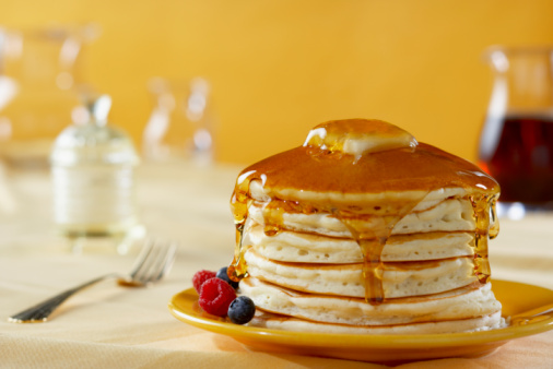 Focus On Foreground「Stack of Pancakes with Syrup」:スマホ壁紙(13)