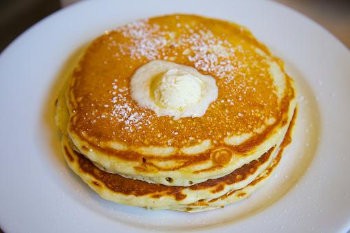 オアフ島「Stack of pancakes served for breakfast」:スマホ壁紙(13)