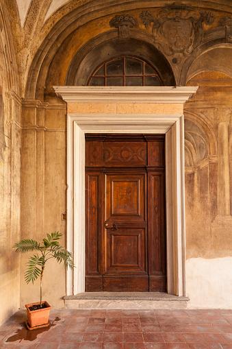 Parma - Italy「Door in San Giovanni Evangelista in Parma, Italy」:スマホ壁紙(13)