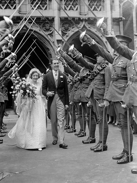 Wedding Dress「Guard Of Honour」:写真・画像(9)[壁紙.com]