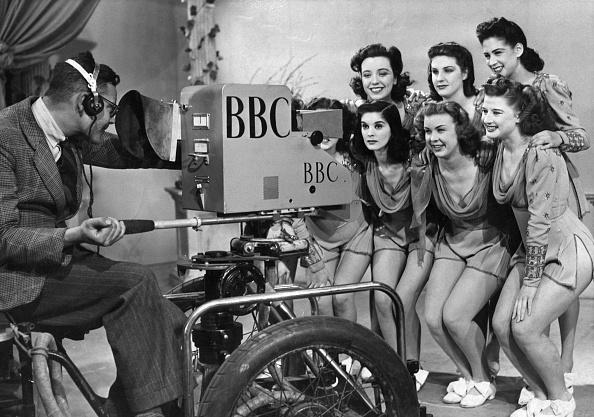 Television Studio「Windmill Girls」:写真・画像(16)[壁紙.com]
