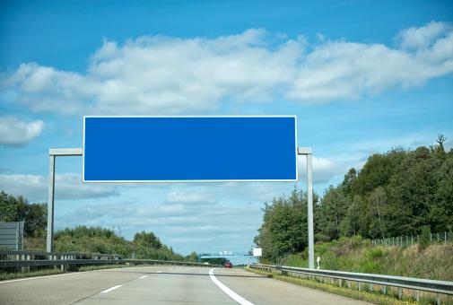 Road Marking「German highway under cloudscape」:スマホ壁紙(18)
