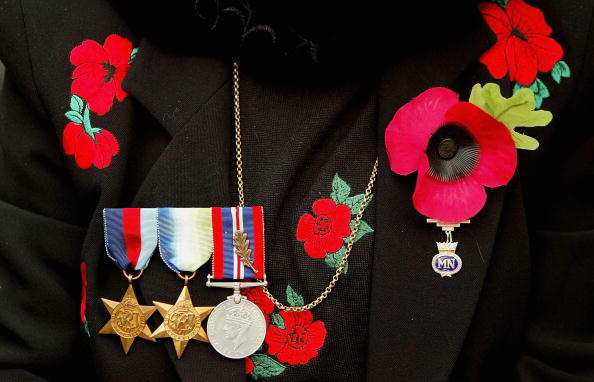 Oriental Poppy「Annual Remembrance Day Service And Parade」:写真・画像(12)[壁紙.com]