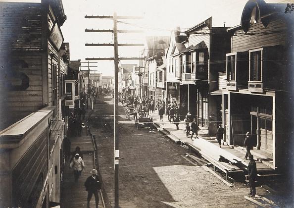 Town「Front Street Nome Alaska 1902」:写真・画像(10)[壁紙.com]