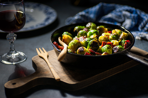 Skillet - Cooking Pan「Brussels Sprouts with Char Siu Glazed Bacon」:スマホ壁紙(3)