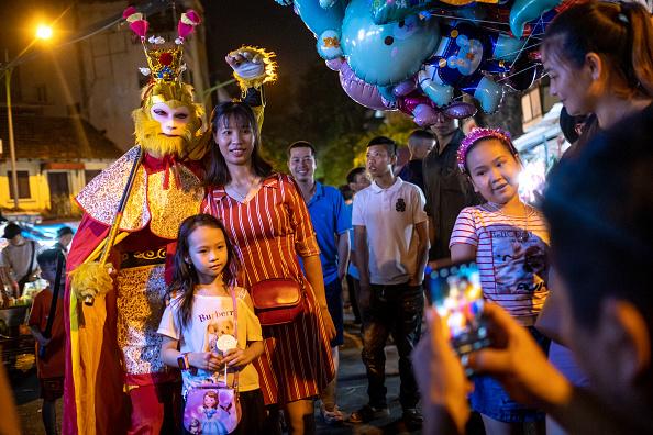 Linh Pham「Vietnam Celebrates Mid-Autumn Festival」:写真・画像(3)[壁紙.com]