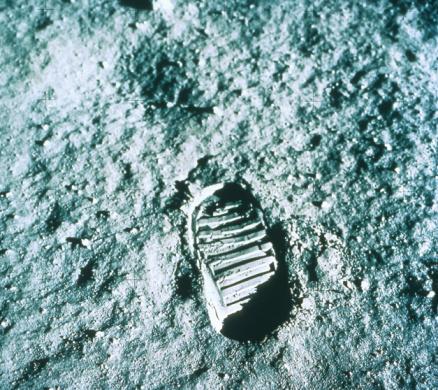 Moon Surface「Footprint on moon」:スマホ壁紙(15)
