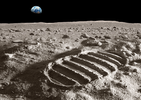 Planet Earth「Footprint of astronaut on the moon」:スマホ壁紙(12)