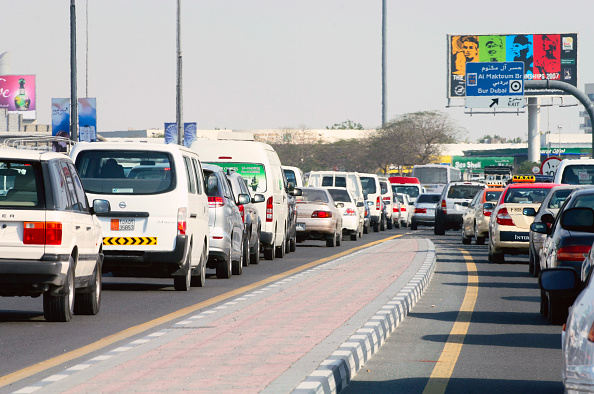 Traffic「Traffic in Dubai, Garhoud, Maktoum, United Arab Emirates, February 2007.」:写真・画像(14)[壁紙.com]