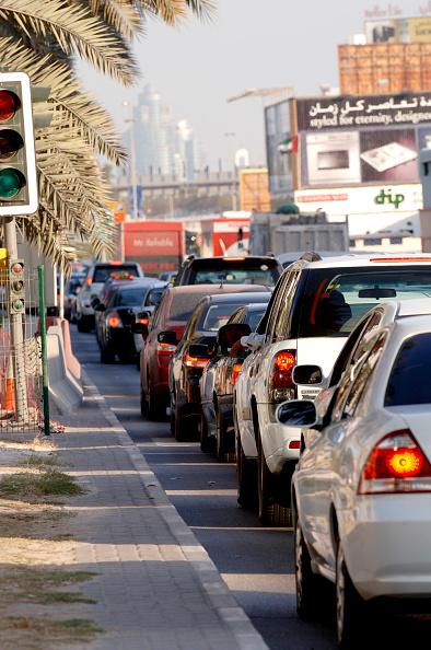 skyscraper「Traffic in Dubai, Garhoud, Maktoum, United Arab Emirates, February 2007.」:写真・画像(19)[壁紙.com]