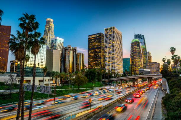 Traffic in downtown Los Angeles, California:スマホ壁紙(壁紙.com)