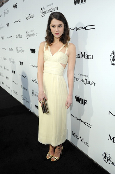 Yellow Dress「6th Annual Women In Film Pre-Oscar Party hosted by Perrier Jouet, MAC Cosmetics and MaxMara - Red Carpet」:写真・画像(18)[壁紙.com]