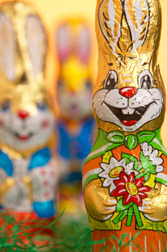 Easter Bunny「Chocolate Easter bunny, close-up」:スマホ壁紙(13)
