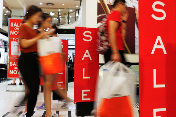 Sale「Bargain Hunters Flock To Boxing Day Sales In Sydney」:写真・画像(14)[壁紙.com]