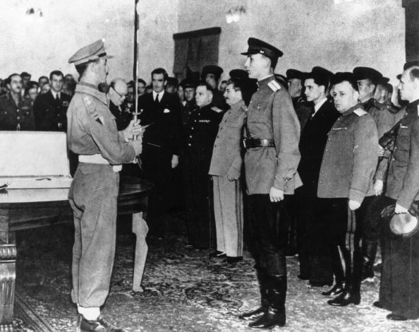 Victor Temin「Stalingrad Award」:写真・画像(15)[壁紙.com]