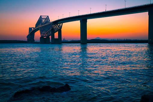 Satisfaction「Tokyo Gate Bridge and Mt. Fuji」:スマホ壁紙(3)
