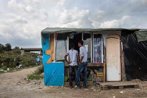 Calais「Calais Migrants Attempt To Find A Way To Reach The UK」:写真・画像(2)[壁紙.com]