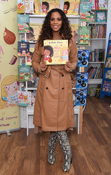 Stuart C「Rochelle Humes Photocall And Book Signing For New Book 'The Mega Magic Hair Swap'」:写真・画像(15)[壁紙.com]