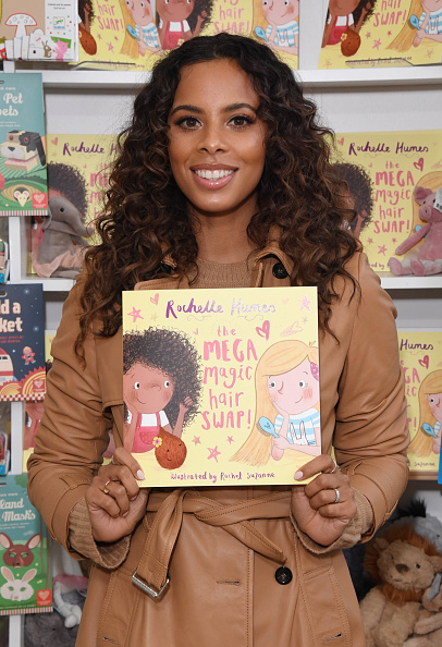 Stuart C「Rochelle Humes Photocall And Book Signing For New Book 'The Mega Magic Hair Swap'」:写真・画像(14)[壁紙.com]