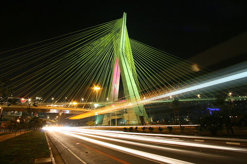 Elevated Road「Brazil, Sao Paulo State, Sao Paulo, Octavio Frias de Oliveira bridge at night」:スマホ壁紙(11)