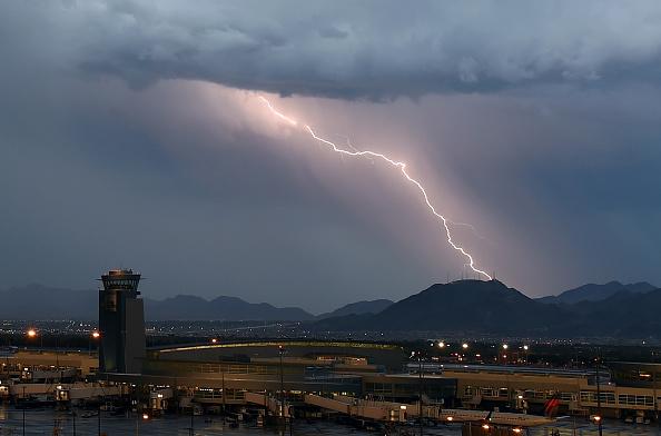 Thunderstorm「Strong Thunderstorms Hit Las Vegas」:写真・画像(18)[壁紙.com]