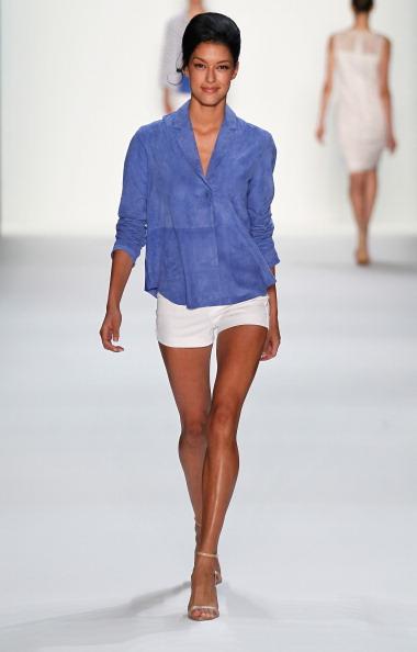 Focus On Foreground「Riani Show - Mercedes-Benz Fashion Week Spring/Summer 2014」:写真・画像(19)[壁紙.com]