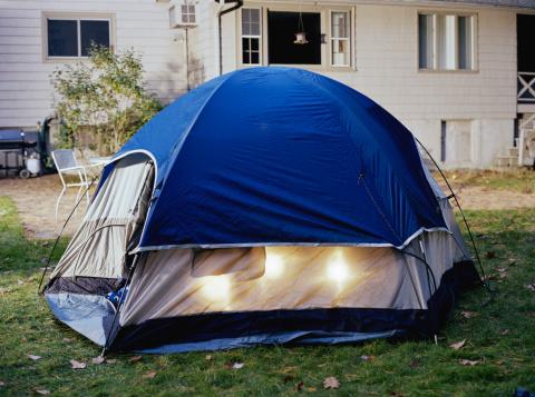 Tent「Lights in tent in backyard, autumn」:スマホ壁紙(16)